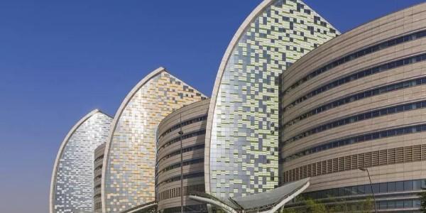 老外的医院建筑设计,一个巨大的、帆状的中庭!!